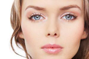 Создаем легкий красивый макияж глаз