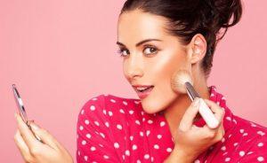 Как научиться правильно и красиво краситься: основы макияжа
