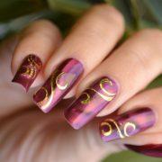 Как самой сделать легкий узор на ногтях?