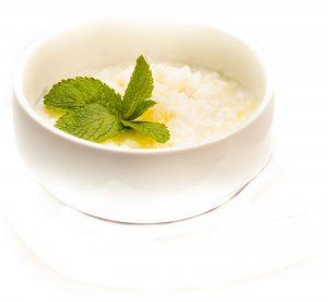 Приготовление рисовой каши на молоке