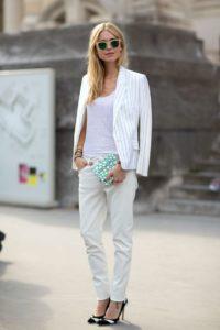 С чем носить белые джинсы? Несколько удачных примеров
