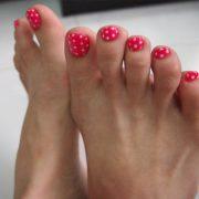 Как накрасить ногти на ногах красиво и правильно
