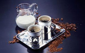 Вред или пользу ждать от кофе с молоком?