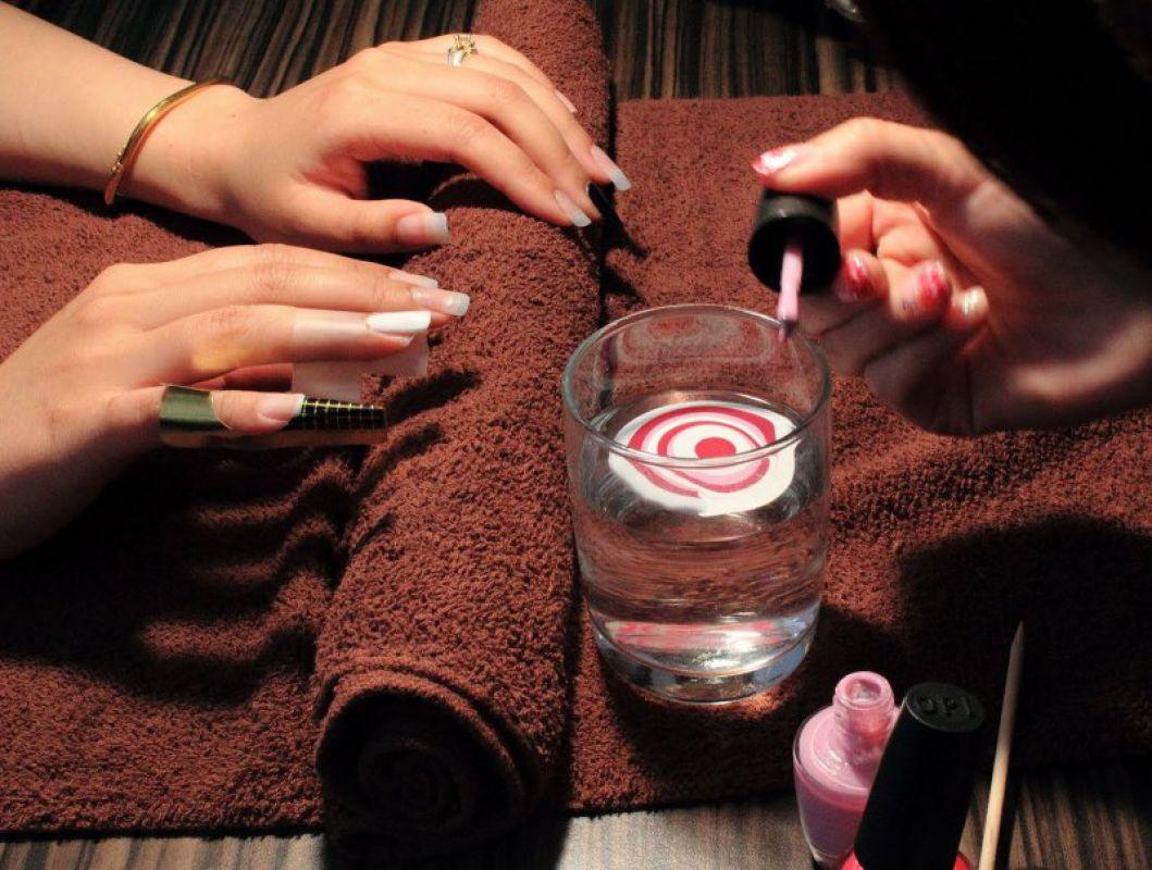 Как сделать красивые ногти с водой