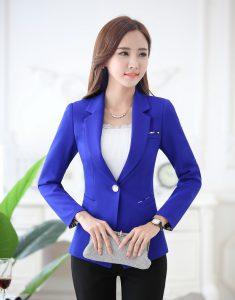 Стильные образы с синим пиджаком