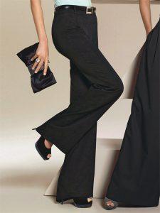 С чем носить черные брюки девушкам