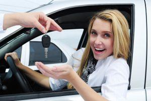 Как женщине быстро и хорошо научиться водить машину