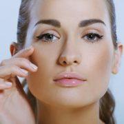 Как сделать простой и красивый макияж глаз
