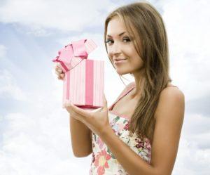 Самый лучший подарок девушке на день рождения