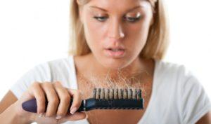 Что делать, когда выпадают волосы на голове