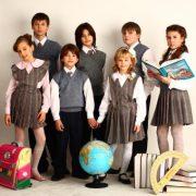 Как подобрать одежду в школу ребенку