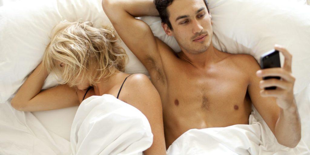 Сексуальная любовь молоденького юноши и молоденькой девушки порнофильм