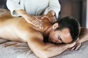 Нежный массаж мужу фото 65-912