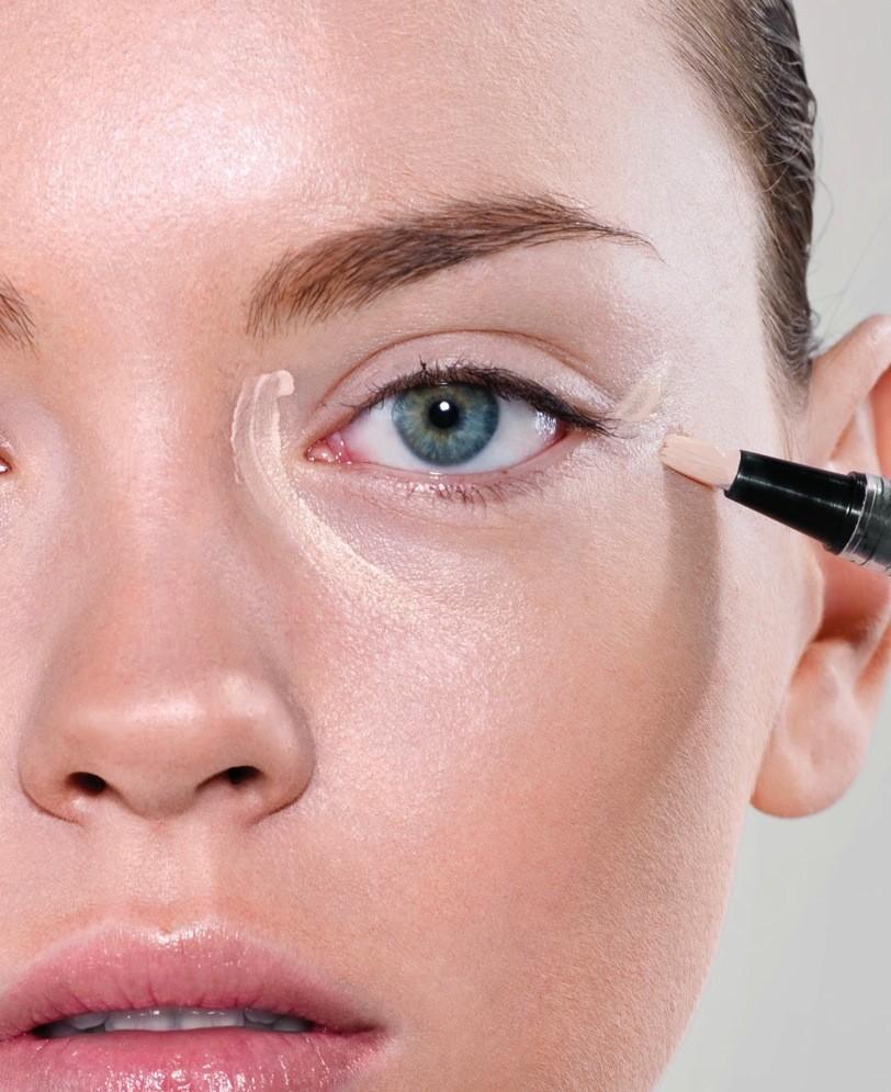 Eye corrector makeup
