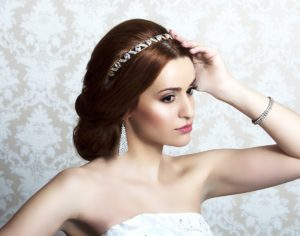 Прически в греческом стиле на свадьбу
